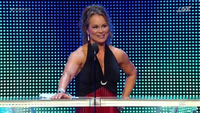 e1dfb122dce73 Molly Holly inducted Ivory into the WWE Hall of Fame tonight. Molly said  that she ...