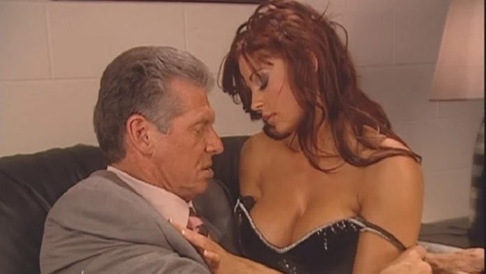 Ex-WWE Star Candice Michelle Says Kissing Vince McMahon Was Awkward 1